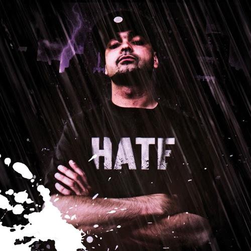 """""""Hate"""" compie dieci anni e Bassi stampa il vinile."""
